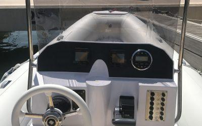 Alquiler embarcación Predator 600 + 130cv